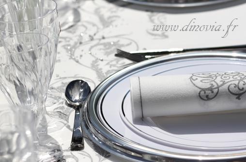 vaisselle pour mariage dinovia vaisselle jetable et d coration de table. Black Bedroom Furniture Sets. Home Design Ideas